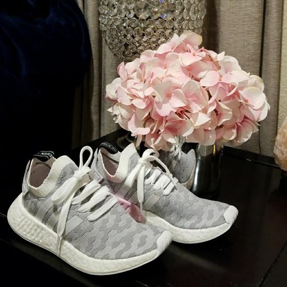 quality design b6f9d 4e2c2 adidas Shoes - 5 🌟 Women s adidas Originals NMD R2 Primeknit
